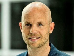 David Guldager - tv-vært - konferencier - moderator - ordstyrer - e-ntertainment.dk